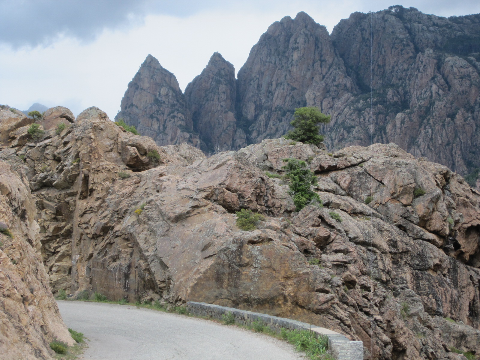 Rock show near Porto. Not Les Callanches, but nearly as impressive. Such a typical view of what happens in Corsica when you're on a bike!
